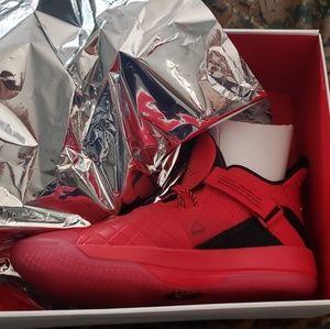 Jordan 33s University Red Men's Size 11